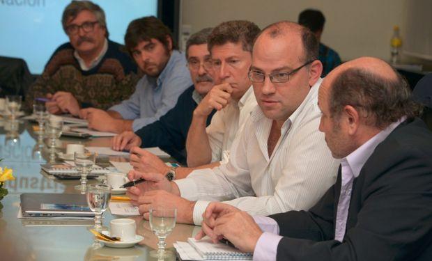 El secretario de Agricultura, Ganadería y Pesca, Ricardo Negri, y el subsecretario de Lechería, Alejandro Sammartino, durante la reunión.