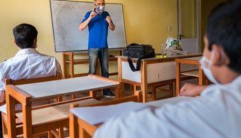 Clases por radio: el docente rural correntino que ganó un premio internacional por su labor en la pandemia