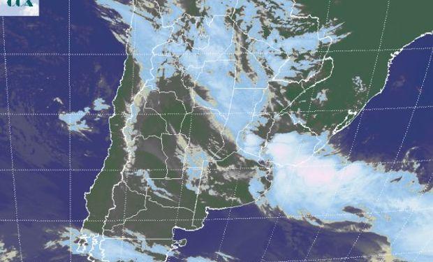 La foto satelital muestra una reducción de la actividad en la parte oeste de la región pampeana y en áreas de la Mesopotamia.