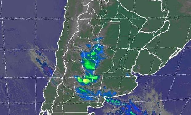 Se destaca la regeneración de coberturas nubosas en la franja mediterránea.