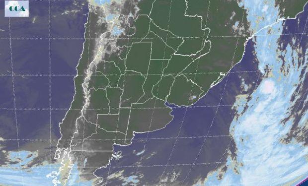 En el recorte de la Imagen Satelital puede observarse el vasto despliegue de cielos despejados.
