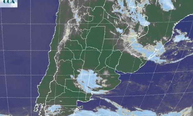 La foto satelital muestra la salida por el noreste de la última perturbación que transitó la región pampeana.