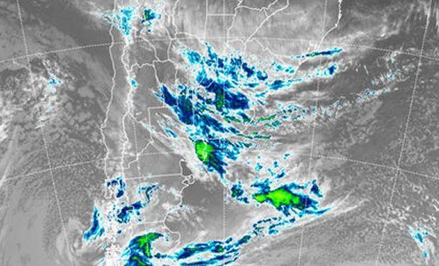 En el recorte de la imagen satelital podemos observar que prácticamente no hay excepciones en cuanto a coberturas nubosas.