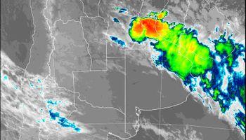 Las tormentas más importantes se ubican sobre el centro de Santa Fe y el centro este de Córdoba