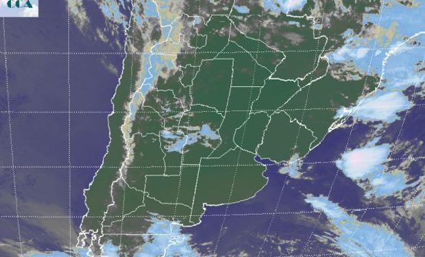 En el recorte de imagen satelital, puede apreciarse alguna nubosidad sobre el norte de San Luis y el centro de Córdoba.