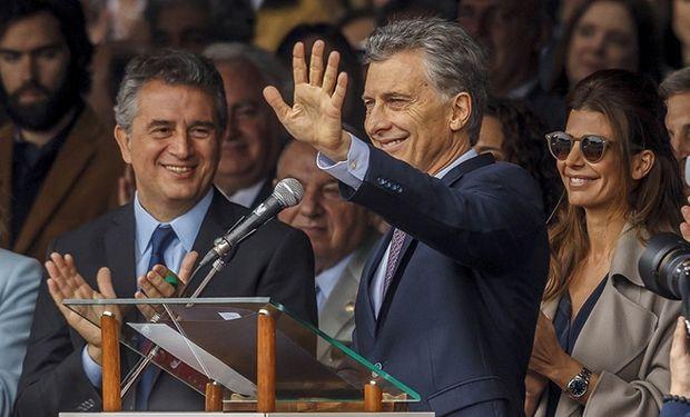 El presidente Mauricio Macri junto al ministro de Agroindustria Miguel Etchevehere.