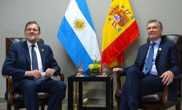 Presidente de España, Mariano Rajoy y el primer mandatario argentino, Mauricio Macri.