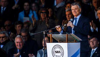 """Macri en la Rural: """"Se tienen que terminar las retenciones"""" pero """"tuvimos que volver a tomarlas"""""""