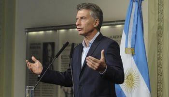 Macri anuncia al campo que no bajaría las retenciones