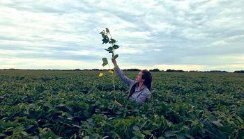 Una joven agrónoma desafía la producción a gran escala en la Patagonia