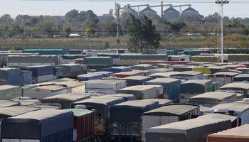 Agosto fue el mes con más arribos de camiones con maíz a Rosario en 5 años