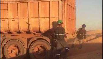 Brasil: con silos llenos por una súper cosecha, al maíz lo dejan a la intemperie