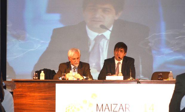 De izquierda a derecha: Luis Bertoia (Moderador) y Roberto Gabriel Delgado