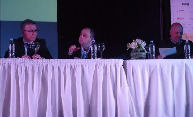 """Panel: """"Agenda Estratégica de la Cadena Comercial y Logística""""."""