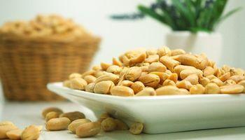 Reutilizan harina para prolongar la vida útil del maní envasado