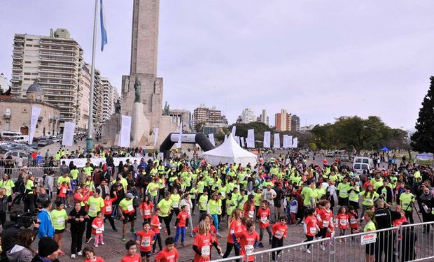 El punto de encuentro será el Monumento a la Bandera. Foto de archivo.