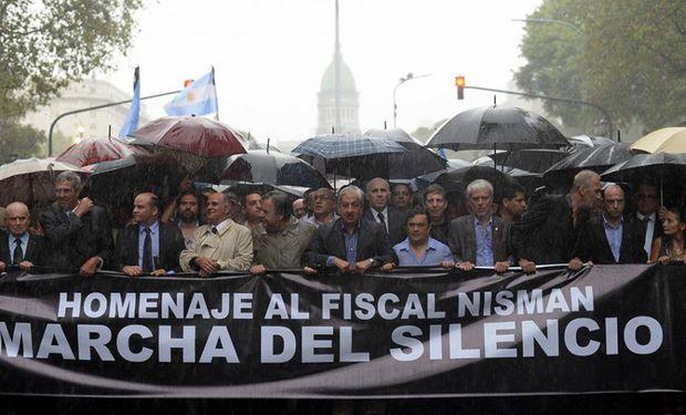 La marcha del silencio partió desde la Plaza Congreso, y su columna central llegó dos horas y media después a la Plaza de Mayo.