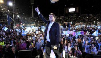 Massa se lanzó a la Presidencia con críticas a sus rivales y al Gobierno