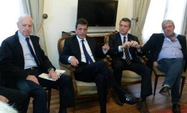 Roberto Lavagna, Sergio Massa, Luis Etchevehere y Eduardo Buzzi, en La Rural.