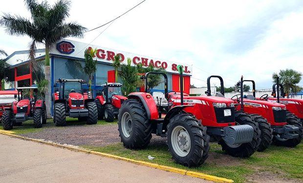 Un concesionario oficial se prepara para la venta de la nueva serie de tractores de Massey Ferguson