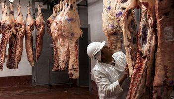Matarifes señalan que el kilo de carne está atrasado un 15 % y que atraviesan una situación crítica