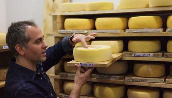 """Tony Couly: el maestro quesero que se animó a soñar y conquistó a los mejores chefs desde """"La Chacra"""""""