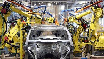 """Vuelve el impuesto a los automotores de """"alta gama"""": cómo afecta en vehículos y pick ups"""