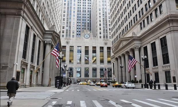 Chicago: bajas para el maíz en un mercado volátil