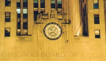 El trigo lidera las bajas en Chicago