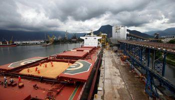Incertidumbre en el mercado de soja por un potencial freno en la vigorosa demanda por parte de China