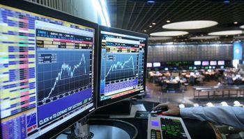 Mercado local, blindado: suben acciones 2,3% y riesgo cae 0,6%
