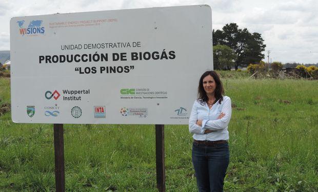 Mercedes Echarte en la construccion de la Unidad de Biogas