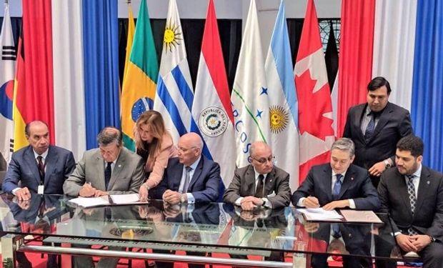 Estuvieron presentes los cancilleres Jorge Marcelo Faurie (Argentina), Aloysio Nunes Ferreira (Brasil), Eladio Loizaga (Paraguay), Marcos Jorge (ministro de Industria, Comercio y Servicios de Brasil) y François-Philippe Champagne (ministro de Comercio Internacional de Canadá).