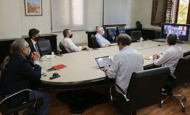 Mesa del Maíz: sigue la idea del fideicomiso, mientras que las cadenas buscan alternativas