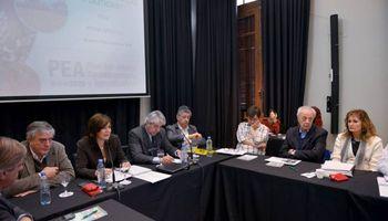 Mesa de apicultura se reunió en Agricultura por Plan 2020