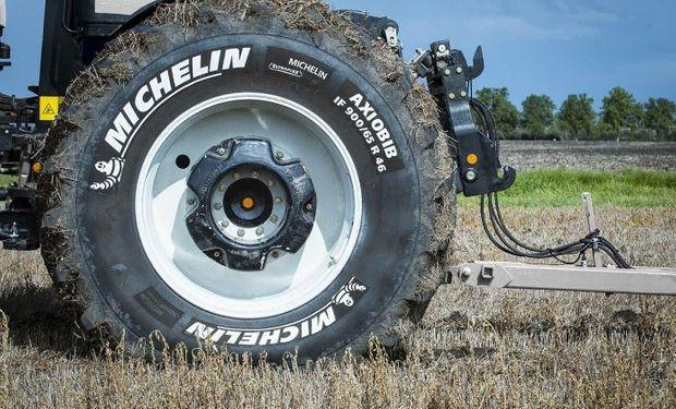 Michelin AxioBib: desarrollado para máquinas agrícolas de fuerte potencia.