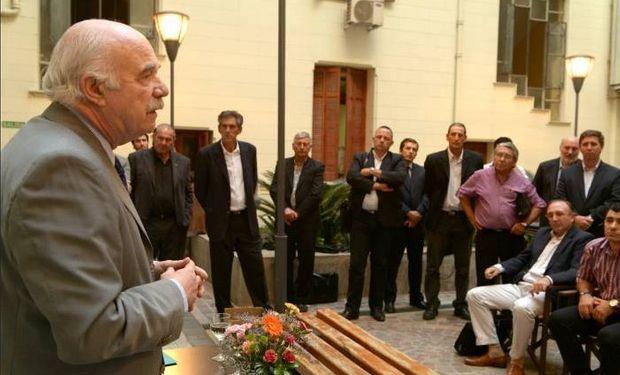 Casamiquela en el discurso de cierre luego de la firma de los convenios