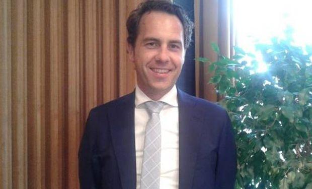 Van Dam, en su despacho en el Ministerio de Economía situado en La Haya. Foto: Clarin Rural