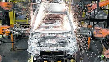 Cae fuerte la producción de autos en Brasil y culpan a la Argentina