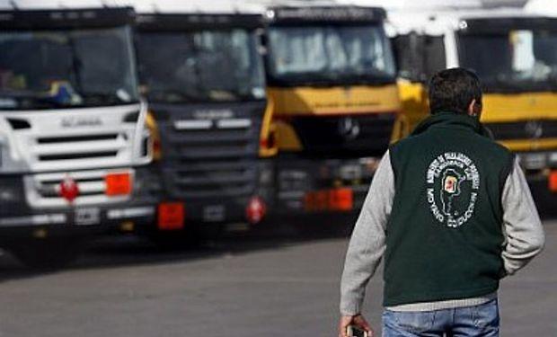 Camioneros bajan sus pretensiones y reclaman un plus de $ 3.000
