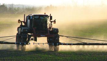 Buenos Aires: prorrogan la suspensión de la resolución que establecía nuevas reglas para la aplicación de fitosanitarios
