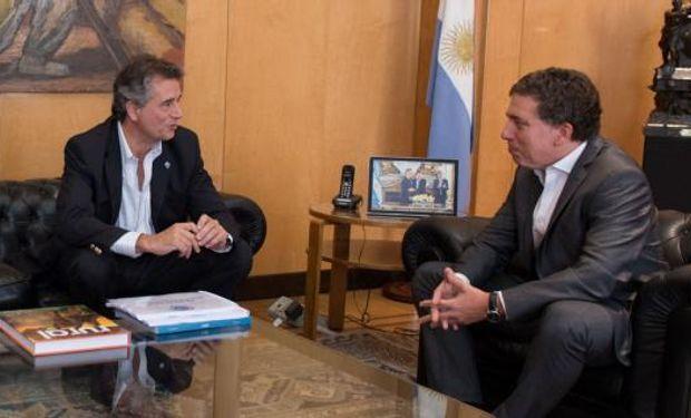 El ministro Dujovne se reunió con su par Etchevehere y, entre otros temas, habló de las retenciones.