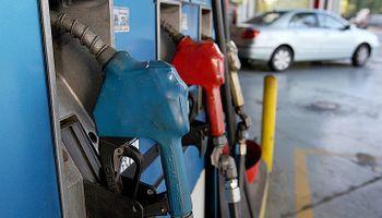 Suben 1,5% las naftas y el gasoil en todo el país