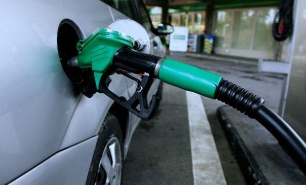 Los combustibles subirán 3,8% en mayo y acumularán el quinto aumento en el año