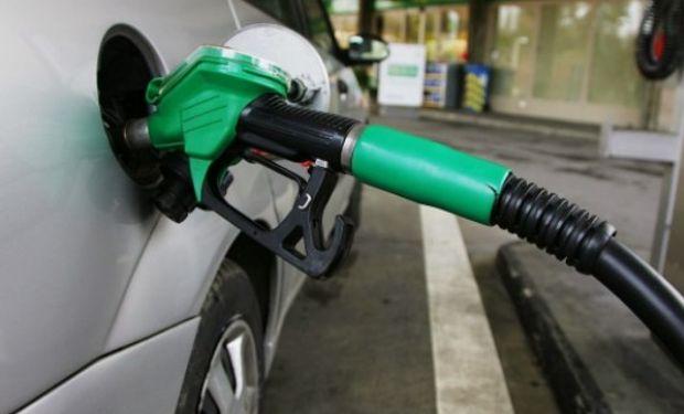"""Según el ministro, el precio del barril local está ya """"cerca de la paridad"""" con los valores internacionales."""