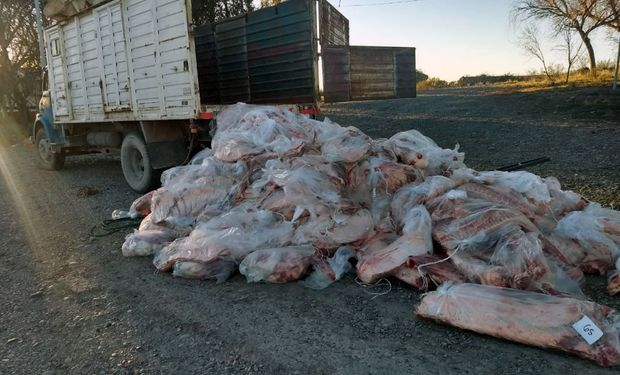 """La diferencia de precio que hay en el kilo de asado entre La Pampa y las carnicerías de Río Negro y Neuquén son un """"incentivo"""" para traficar."""