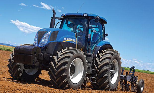 Entre los productos que exhibirá la firma, estarán los azules T7.215, TD5, TDF 75 frutero, y el tractor de jardín.