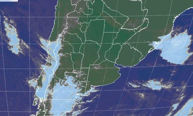 La foto satelital no muestra coberturas nubosas de importancia en la región pampeana.