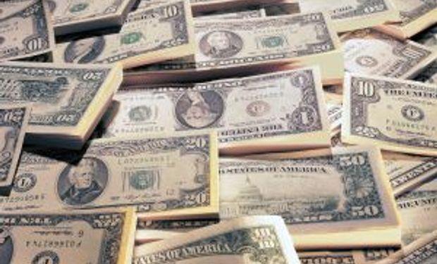 Solo el 9% de los dólares comprados se depositó en los bancos
