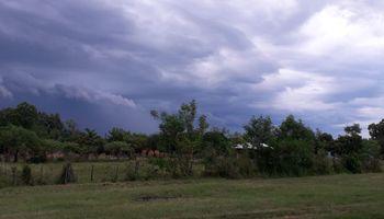 Prevén lluvias puntuales y de baja intensidad para el fin de semana